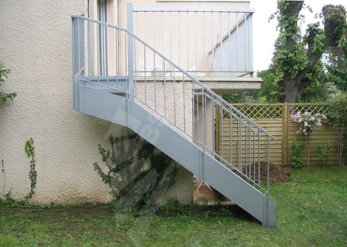 Photo dt105 escadroit 1 4 tournant haut escalier for Modele de garde corps exterieur