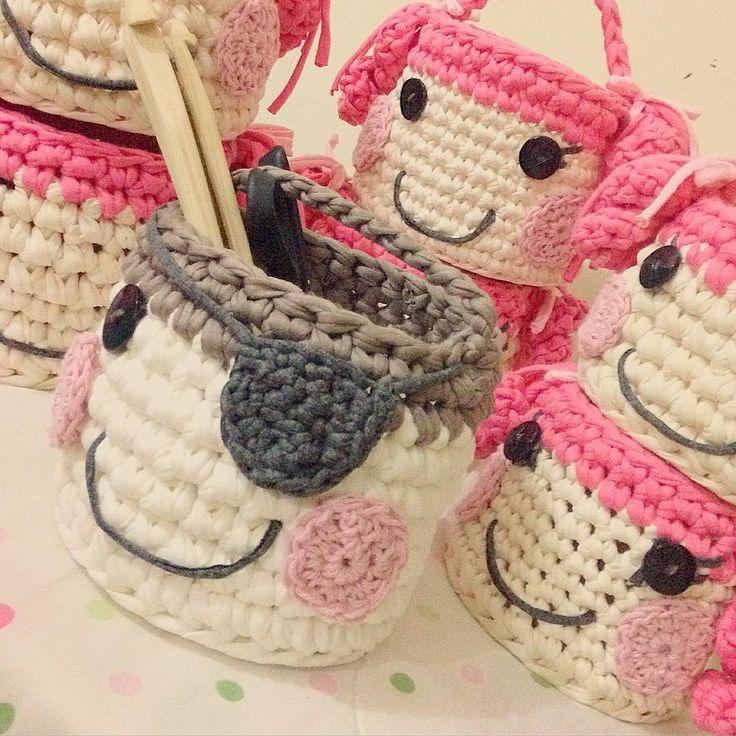 трикотажные сумочки, связанные крючком