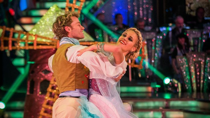 Pixie Lott & Trent Viennese Waltz to 'Tulips from Amsterdam' - Strictly ...