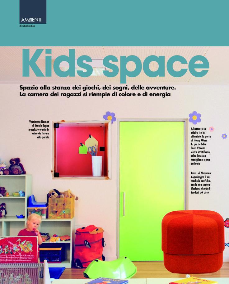 Servizio redazionale dedicato alla porta a battente lime con stipite Isy all'interno della rivista Porte&Finestre di Aprile 2015.