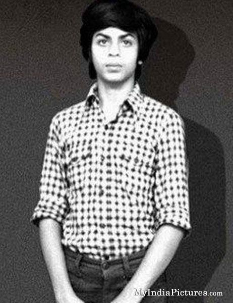 Bollywood Pics :  Young Shahrukh Khan Childhood Old Unseen Bollywood Photo