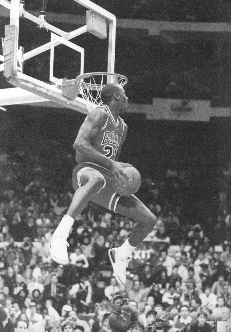 Michael Jordan dunk contest. Slam dunk photos. Best dunks on Pinterest. Dunk pics. #47straight #basketball