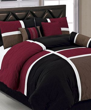 Update the bedding in the master bedroom with this stylish set. The incredibly soft microfiber will make counting sheep a thing of the past, while the elegant design livens up décor and creates the perfect bedtime atmosphere.