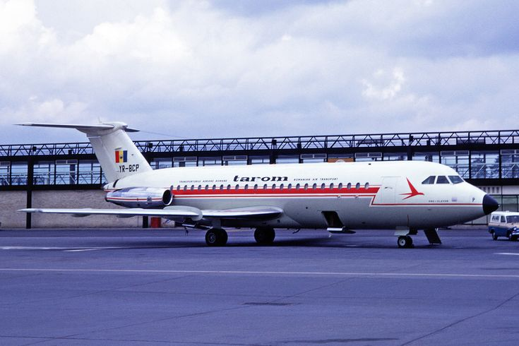 YR-BCP BAC One-Eleven 409 TAROM Romanian Airlines LGW 09MAY69