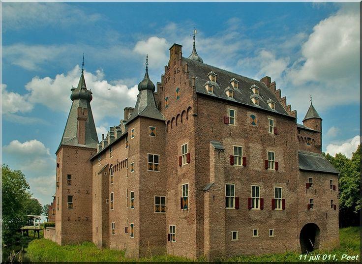 Kasteel Doorwerth, Nederland... where Rogier's fraternity gala will be held in 2 weeks... SO EXCITED
