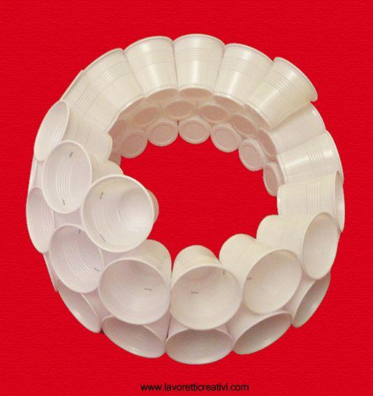 oltre 25 fantastiche idee su bicchieri di plastica su pinterest ... - Paralume Con Bicchieri Di Carta