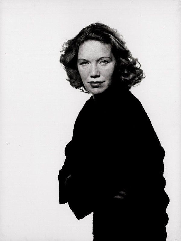 Elisabeth Flickenschildt (1905 – 1977), photo by Lieselotte Strelow, 1945.