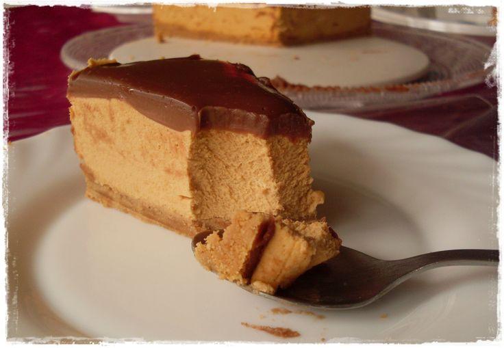 Esta ha sido la tarta de mi cumpleaños ;). Me pasé como 2 semanas dando vueltas a que tarta hacer porque necesitaba que fuera muy facilita y rápida ya que apenas tenia tiempo para prepararla y al f...