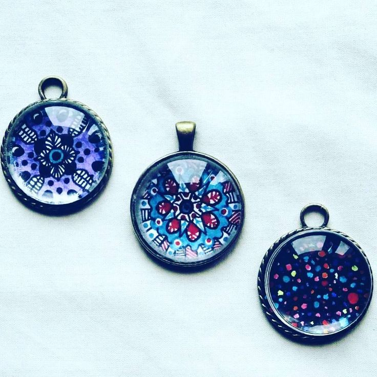 New babies! Hand painted glass pendants.Dm me  and grab yours now :) #glass #glasspendants #pendants #handmade #painted #colorful #happy #hippie #psychedelic #jewelry #summer #spring #flyingcoalahandmade