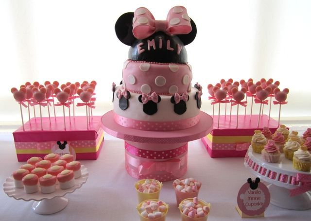 Love the cake stand and box stand for cake popsBirthday Minnie, Mouse Pink, Birthday Parties, Parties Ideas, Mickey Mouse Cake Pop, Minnie Mouse Cake, Mouse Parties, Cake Pop Pink, Birthday Ideas