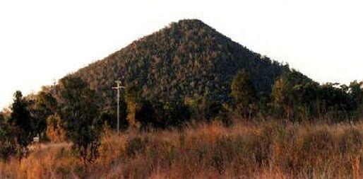 Gympie Pyramid Australia-http://booksfact.com/archeology/gympie-pyramid-australia-in-ramayana.html