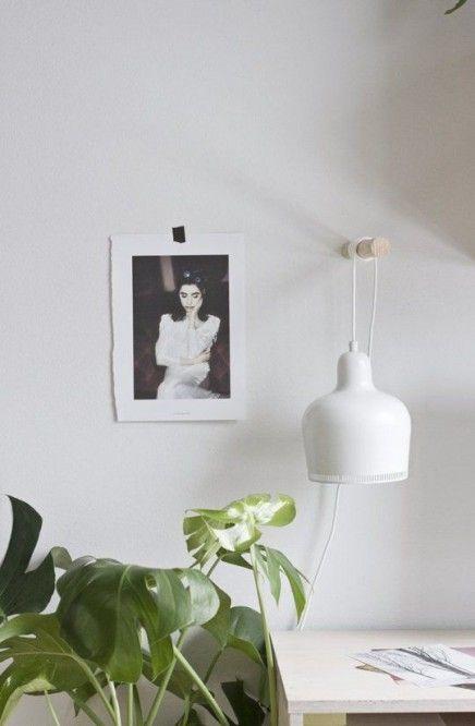 Hanglamp aan de muur