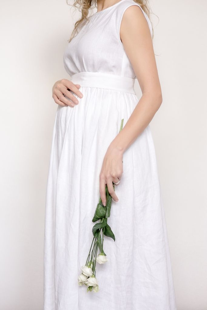 Linen pregnant bride dress | CozyBlue / Pregnant bride