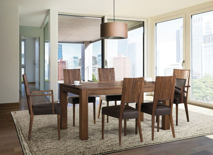 Natural wood table with comfortable chairs, for those who loves nature. Modern but cosy look. Design by Klose. #DinningRoomFurniture #KloseFurniture #tablesets