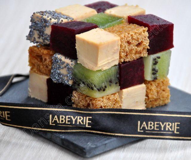 J'aime quand on me propose de créer une recette avec un produit. Cela permet de booster ma créativité. J'ai reçu un foie gras Labeyrie, et plus particulièrement le foie gras dégustation. Comme il est vraiment top, je voulais en profiter sans trop le dénaturer...