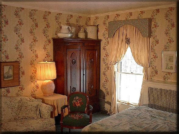 Mississippi Victorian Photos | All of the guest rooms are air conditioned and the cost of an evening ...