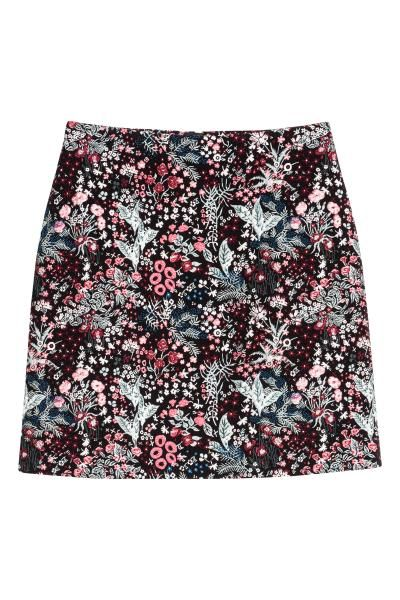 Patterned skirt: Short skirt in a jacquard weave with a concealed zip and button at the back.
