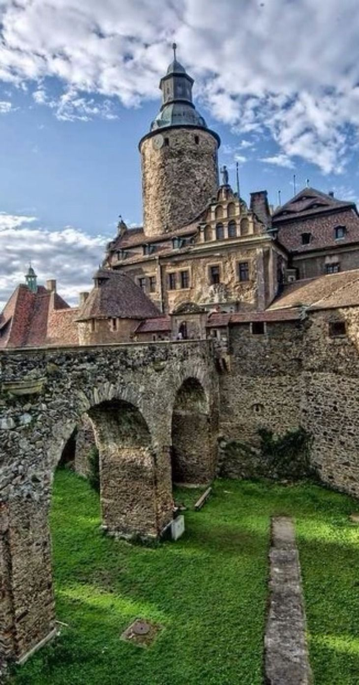 Czocha #castle , Lower Silesia, #poland . http://reversehomesickness.com/europe/famous-german-castles/