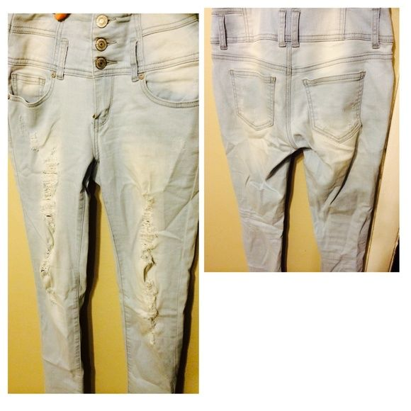 High Waisted Light Blue Skinny Jeans 💖 Love them Just took Out Tags tried them on and Washed them .. Their too small for me 😏 Charlotte Russe Pants
