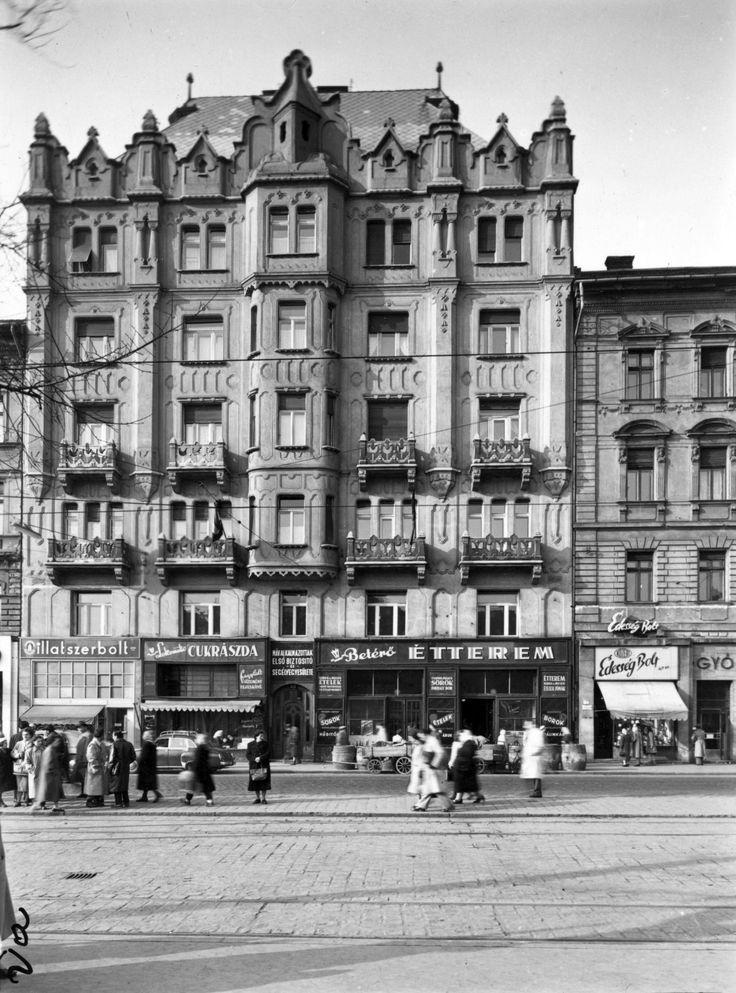 Baross_tér_15._A_kép_forrását_kérjük_így_adja_meg-_Fortepan_-_Budapest_Főváros_Levéltára._Levéltári_jelzet-_HU_BFL_XV_19_c_11_Fortepan_102775.jpg (1948×2630)