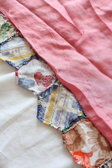 「英国アンティークキルト /ヘキサゴンパッチワークキルト」ココン・フワット Coconfouato [アンティーク照明&アンティーク家具] アンティーククロス アンティークファブリック アンティークテキスタイル  ファブリック レース --cloth--