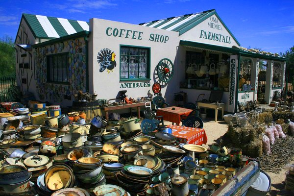 You pick 'em enamelware = heaven (Oma Miemie's Farmstall - Northern Cape, South Africa)