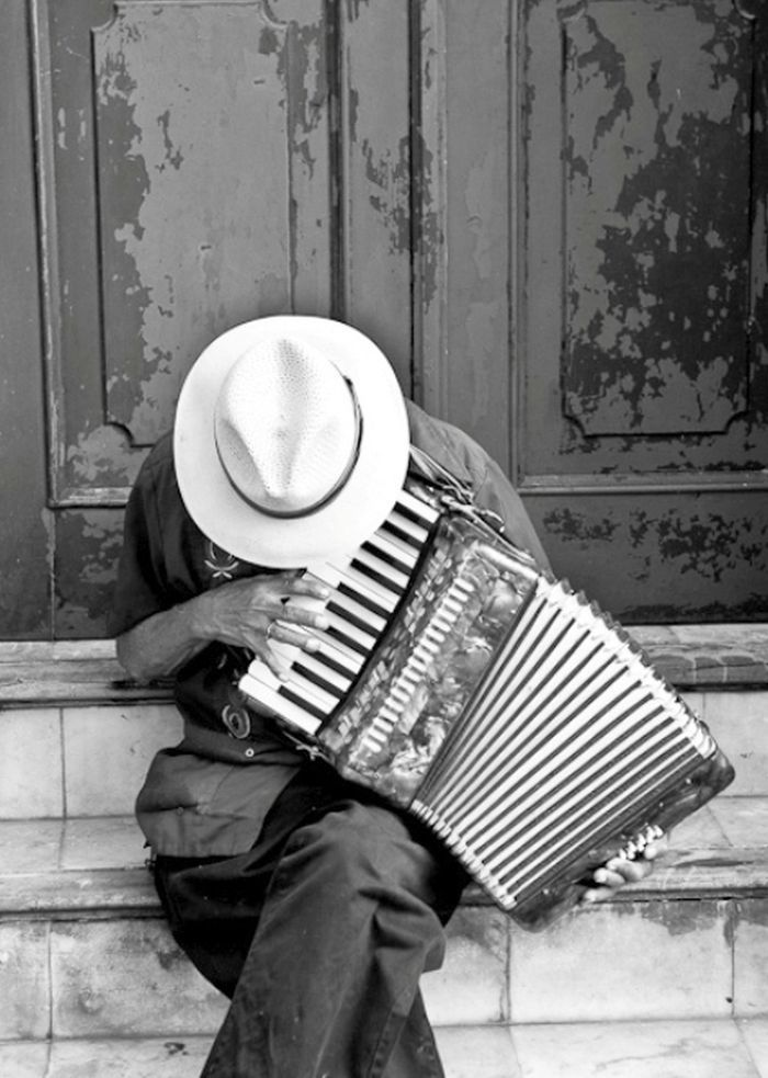 I love French accordion music! I was awesome at lessons unfortunately I wasn't the one taking themLOL