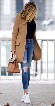 #winter #fashion // Camel Coat + Destroyed Skinny Jeans