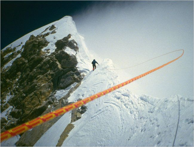 the summit of mount everest in jon krakauers into thin air True everest into thin air by jon krakauer comment on this article a human plucked from sea level and dropped on the summit of everest would lose consciousness within minutes and quickly die.