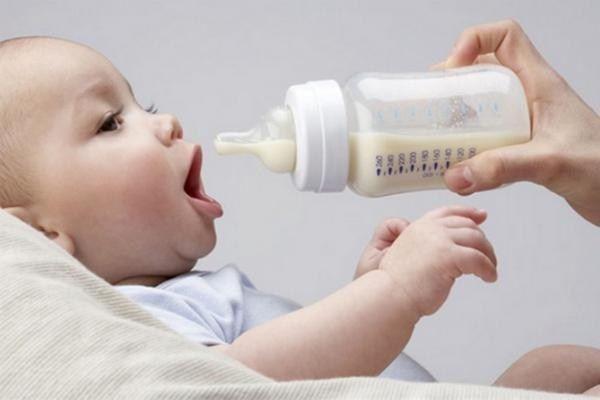 Как выбрать подарок новорожденному