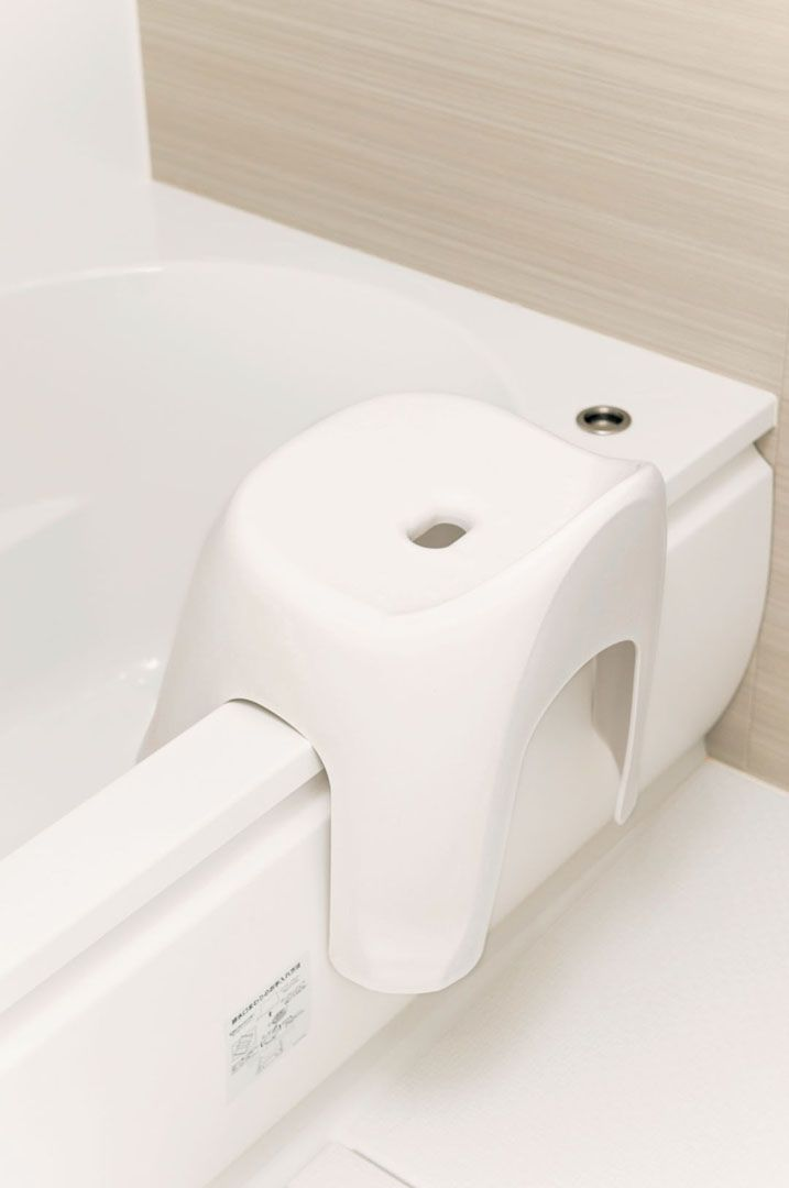油汚れしやすい冷蔵庫の上はラップでカバー 掃除の手間を省くプロのワザ集 掃除 お風呂 油汚れ