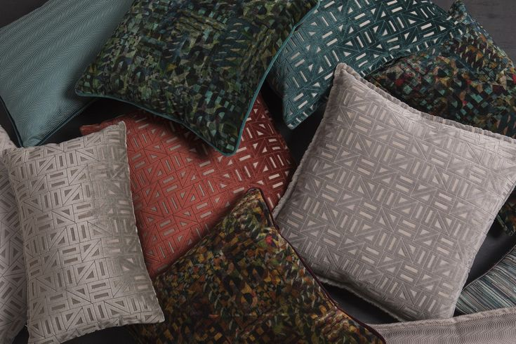 Every Spring and Summer trend is going to be at #isaloni2018! Don´t miss the new pillow collections by #brabbu in HALL 01 STAND L08! Interior Design | Milan | Spring Inspiration #brabbu #cushions #upholstery #rugs #lighting #casegoods #salonedelmobile #isaloni #isaloni2018  Dicover all our news --> https://www.brabbu.com/landings/salonedelmobile18-press/