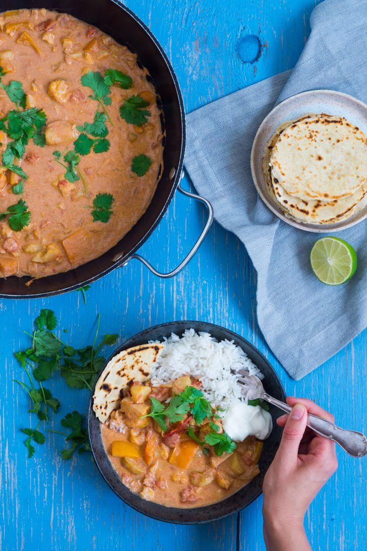 Indisk simremad med blomkål, kartofler og kylling - Julie Bruun