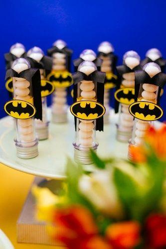 Seu filho é fã de super-heróis? Veja ideias para decorar o aniversário dele - Gravidez e Filhos - UOL Mulher