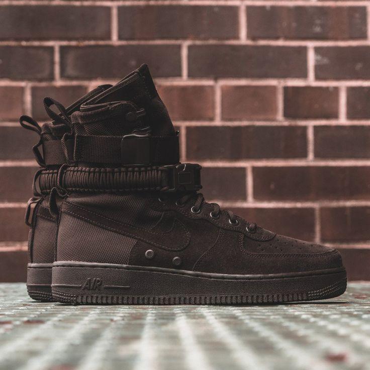 Nike SF-AF1 High (864024-203) Special Field Air Force 1  Velvet Brown Suede  USD 125 HKD 980  #solecollector #dailysole #kicksonfire #nicekicks #kicksoftoday #kicks4sales #niketalk #igsneakercommuinty #kickstagram #sneakflies #hyperbeast #complexkicks #complex #jordandepot #jumpman23 #nike #kickscrew #kickscrewcom #shoesgame #nikes #black #summr #hk #usa #la #ball #random #girl #adidas