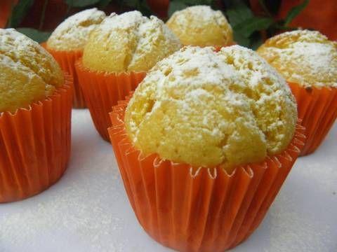 Fabulosa receta para Muffins de maizena y mandarina. Delicados muffins con  mucho sabor a mandarina y la delicada suavidad que le da la maizena.