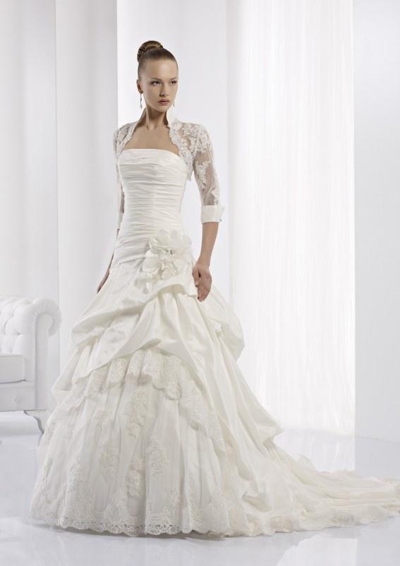 Collezione abiti da sposa #Jolies, abito da #sposa modello JOAB13418IV