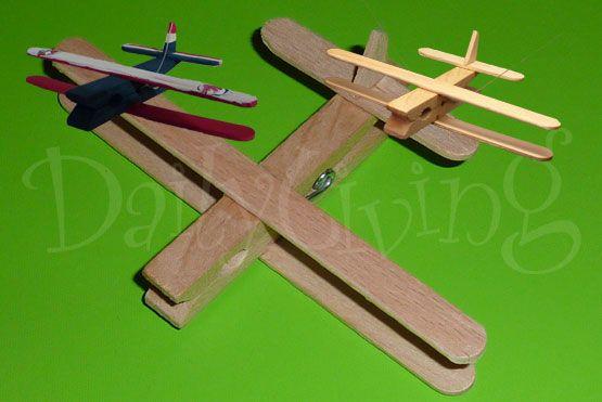 Google Afbeeldingen resultaat voor http://www.dailyliving.nl/ckfinder/userfiles/images/DailyKids/daily_kids_groen_vliegtuig.jpg