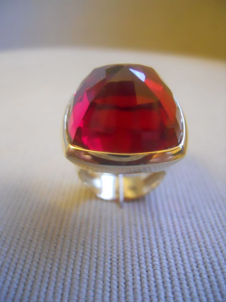 """Absolute red"" ring. Verneuil method ruby 49.50cts, on 18k yellow gold. Unique."