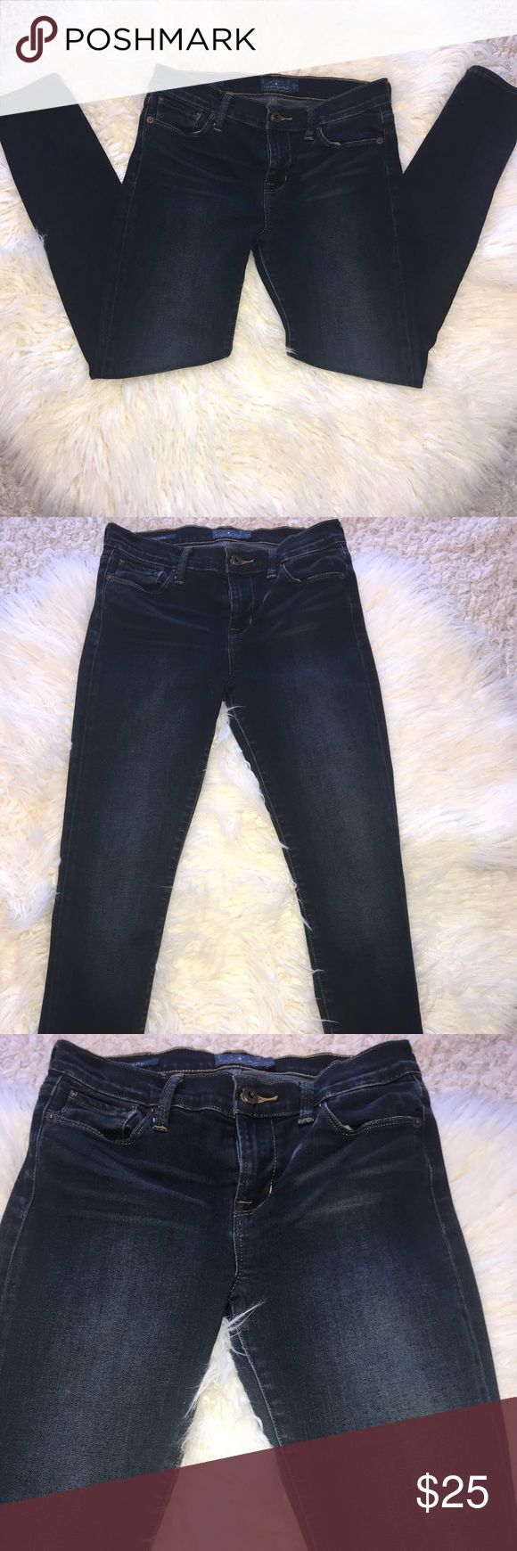 Lucky Brand Women's Brooke Skinny jeans size 4/27A Used. No holes, no stains, no peeling. Faded look, bought like that. Style 7w12860. This is NOT an outlet item.  Stock#40 Lucky Brand Jeans Skinny