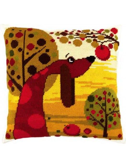 набор для вышивки подушки полукрестом Такса