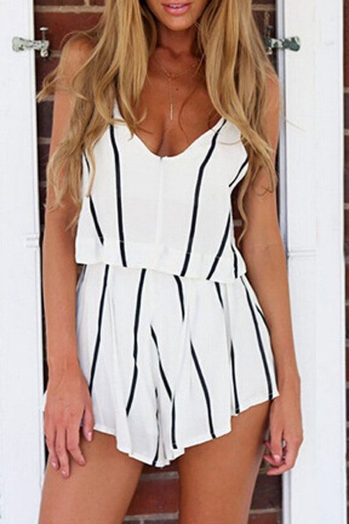 To make you look perfect, this stripe pattern playsuit is your best choice. It is adorned with v-neck, sleeveless, open backand stripe pattern. Perfect with flat sandals.