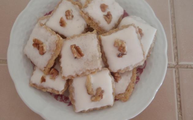 Ořechové čtverečky » Pečení je radost