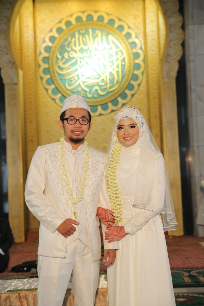 Nita & Agung Wedding by LAKSMI - Kebaya Muslimah & Islamic Wedding Service - 005