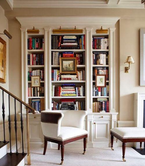 les 25 meilleures id es de la cat gorie tag res livres autour de chemin e sur pinterest. Black Bedroom Furniture Sets. Home Design Ideas