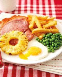 Top your Super 6 gammon with egg and pineapple and enjoy this family favourite recipe.