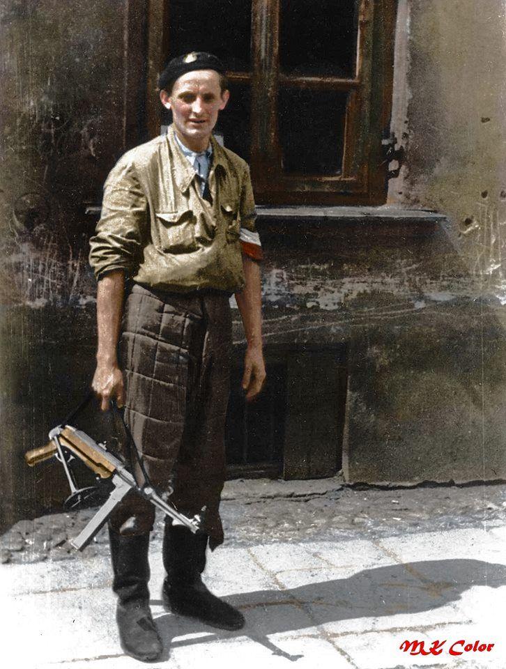 Powstaniec Warszawski 1944.