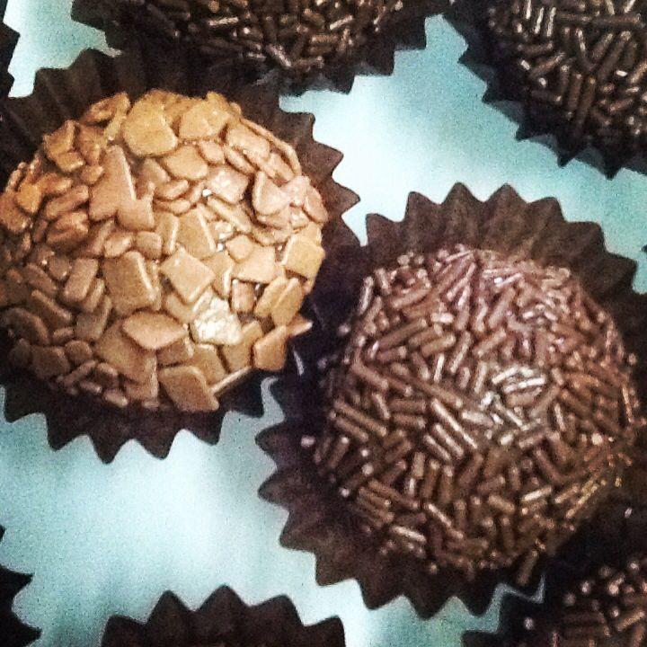 Recheio cremoso de chocolate belga negro, branco ou de leite