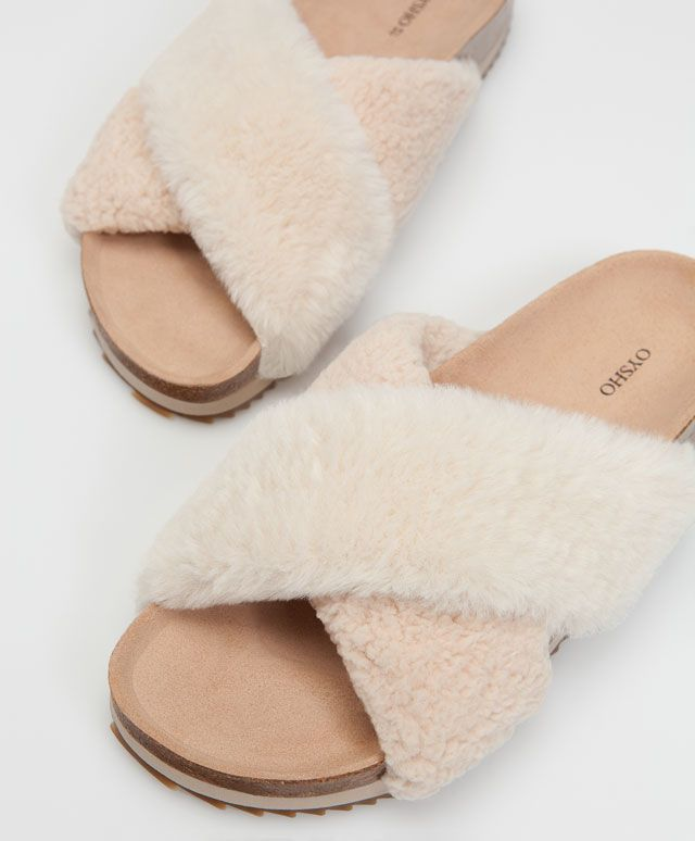 Faux fur crossover fashion slipper sandals - Slippers.