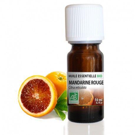 Mandarine rouge BIO - Huile essentielle 10 ml Citrus reticulata  L'huile essentielle de Mandarine rouge fournit une essence très utilisée car son action relaxante ainsi que son odeur toujours appréciée font d'elle une huile incontournable pour apaiser l'esprit, réconforter et faciliter le sommeil. Comme toutes les huiles essentielles d'agrumes, elle lutte contre la peau d'orange et les vergetures. Fraîche et fruitée, elle est un bon tonique digestif et une solution contre le mal des…